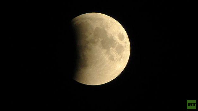 سكان الأرض يستطيعون رؤية خسوف القمر ليلة الجمعة على السبت