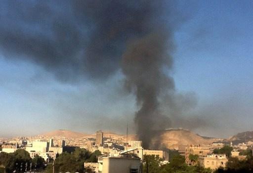 مقتل 3 أشخاص اثر سقوط قذائف في باب توما بدمشق ومقتل العشرات في اشتباكات بحلب