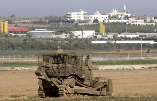 مراسلنا: قوة اسرائيلية تتوغل وسط قطاع غزة