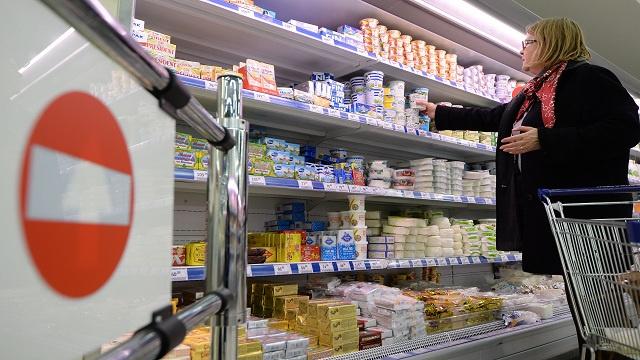 الاتحاد الأوروبي يأمل برفع الحظر الروسي على منتجات الألبان الليتوانية