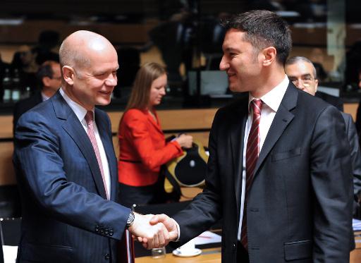 اوروبا تدعو الائتلاف الوطني الى لعب دور قيادي في المفاوضات مع دمشق بـ