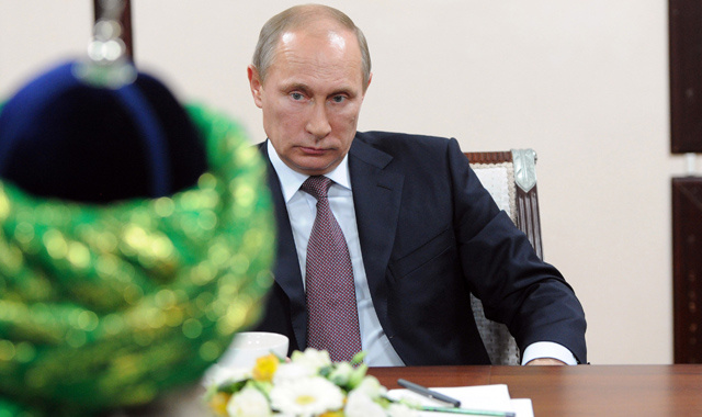 بوتين: الإسلام جزء لا يتجزأ من تاريخنا ونحن متمسكون بموقفنا الثابت لتعزيز وحدة العالم الاسلامي
