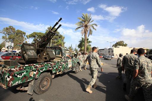 مشاركو ومعاقو الثورة الليبية يقتحمون مبنى البرلمان في طرابلس