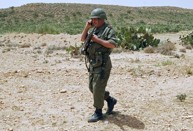 مراسلتنا: مقتل 6 رجال من الحرس الوطني و2 من المسلحين في اشتباكات بسيدي بوزيد في تونس