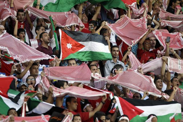 جماهير النشامى تصب جام غضبها على المدرب المصري حسام حسن