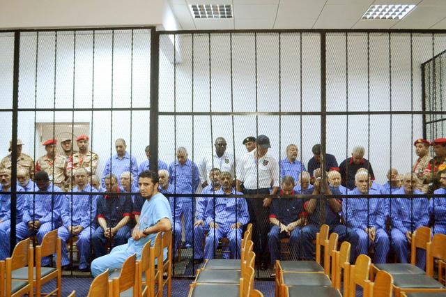 إحالة 37 من رموز نظام القذافي بينهم سيف الإسلام إلى محكمة الجنايات