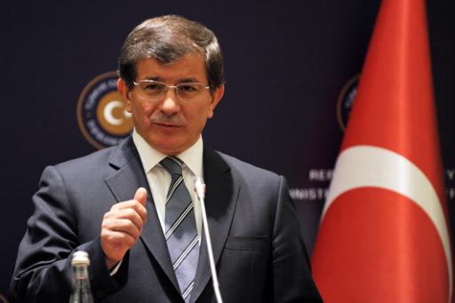 تركيا تدعو إلى عمل فعال لحل الملف السوري والكويت تؤكد أن الدمار لن يقتصر على سورية بل سيمتد إلى المنطقة