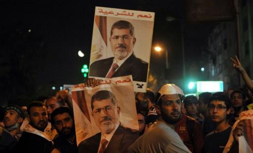 أنصار مرسي يدعون لمظاهرات حاشدة في يوم محاكمته 4 نوفمبر/تشرين الثاني