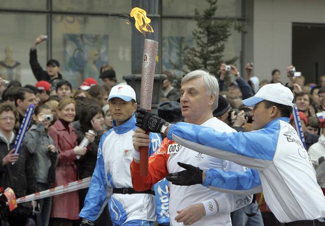 شعلة أولمبياد سوتشي تصل إلى بطرسبورغ