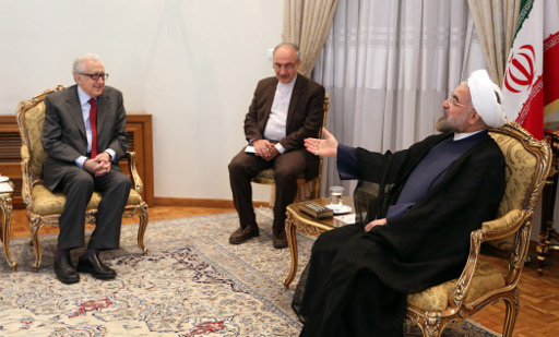روحاني للابراهيمي: ايران لا تألو جهدا لاحلال السلام والاستقرار في سوریة