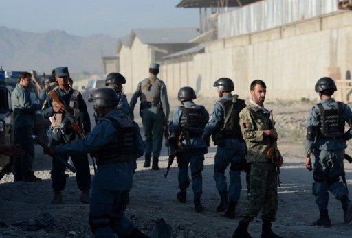 مقتل 18 شخصا بينهم 14 إمرأة وطفل واحد في تفجير حافلة بأفغانستان