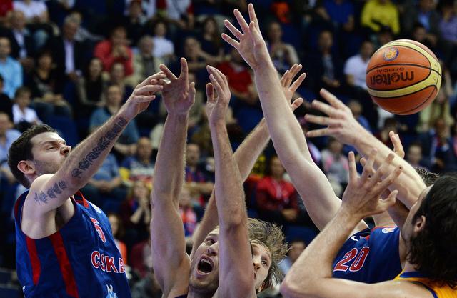 تسيسكا موسكو يهزم أزوفماش الأوكراني في الدوري الموحد لكرة السلة