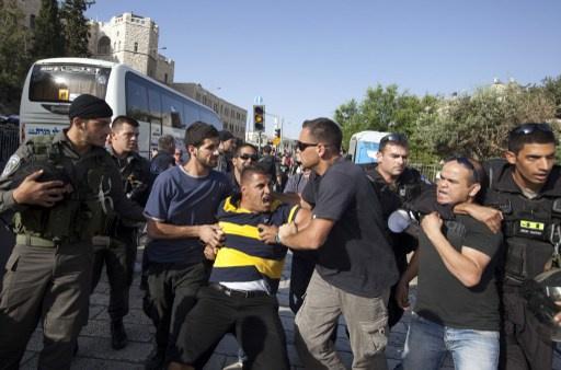 حملة اعتقالات في الضفة عشية الإفراج عن الأسرى