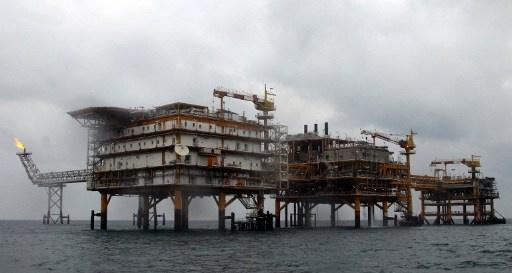 إيران تنوي استثمار 14 مليار دولار في قطاع الطاقة المحلي