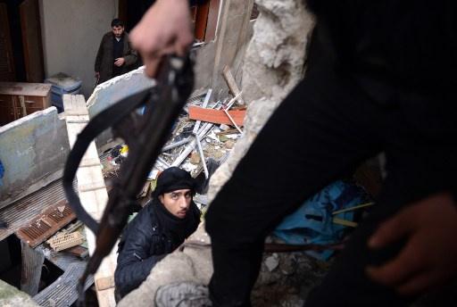 اشتباكات وقصف في مناطق بريف دمشق ومحافظات سورية أخرى