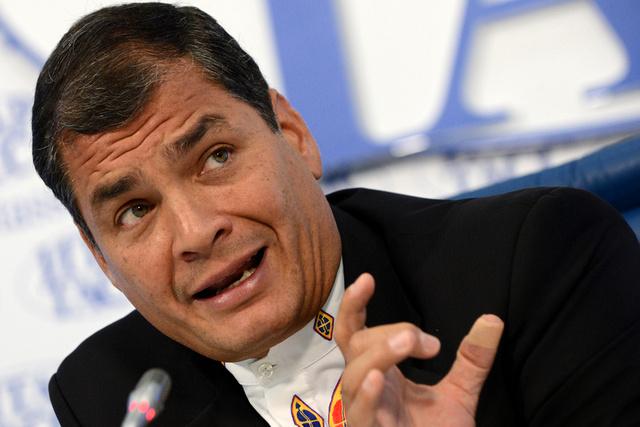 رئيس الأكوادور: سندرس طلب سنودن منحه اللجوء السياسي في حال توجه به