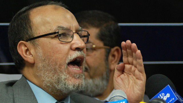 النيابة المصرية تبدأ التحقيق مع العريان بعد إلقاء القبض عليه