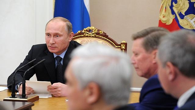 بوتين يدعو إلى مواصلة تحسين المناخ الاستثماري في البلاد