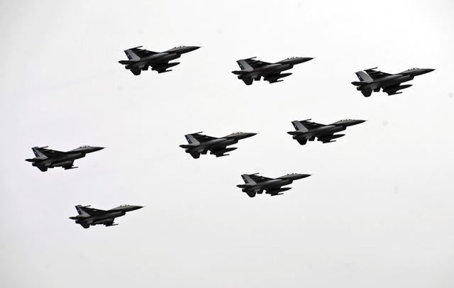 مصدر في الادارة الامريكية: العراق سيستلم مقاتلات