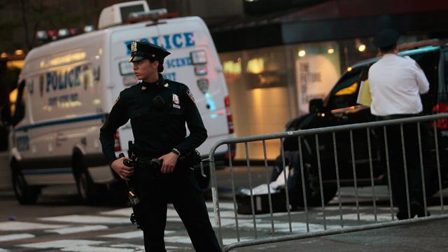 """الشرطة الأمريكية تتسلح برصاصات """"جي بي أس"""" (فيديو)"""
