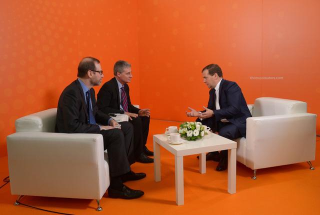 مدفيديف: نمو الاقتصاد الروسي خلال عام 2013 لن يتجاوز 2%