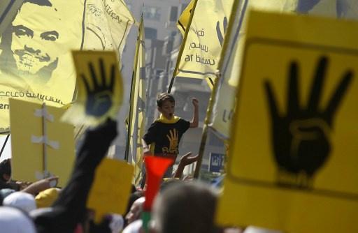 انطلاق تظاهرات أنصار الإخوان.. واﻷمن يطلق الغاز المسيل للدموع لتفريق مسيرة في اﻹسكندرية