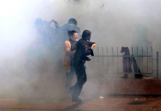 الشرطة التركية تفرق تظاهرة احتجاج ضد بناء جدار عند الحدود مع سورية