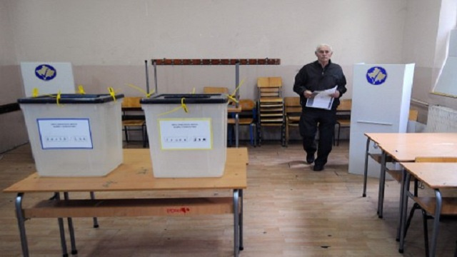 رهان على مشاركة الصرب بانتخابات بلدية في كوسوفو