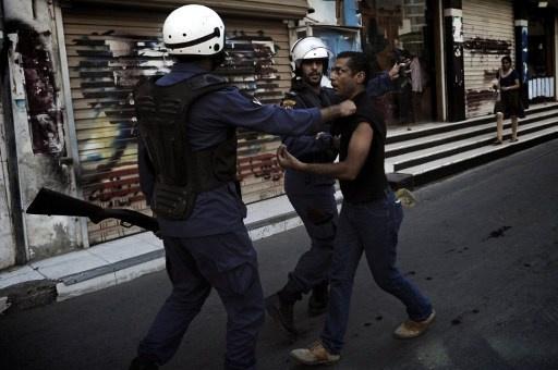 الحكم بالسجن المؤبد لـ 4 بحرينيين بتهمة تشكيل