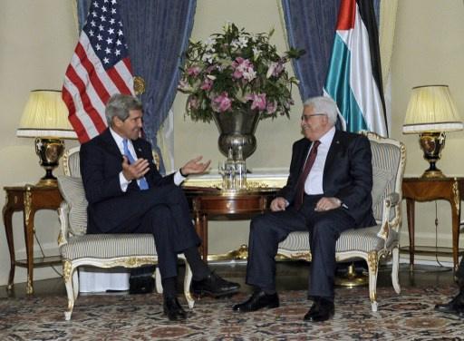 كيري يؤكد موقف واشنطن حيال مفاوضات السلام ومصدر فلسطيني يكشف عن وجود أزمة بين الطرفين