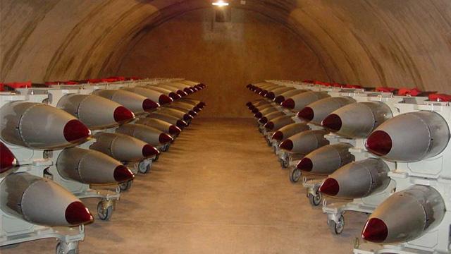 الولايات المتحدة تحدث قنابلها النووية