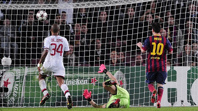 ميسي يستعيد ذاكرة الأهداف ويقود برشلونة الى الفوز على ميلان في دوري الأبطال
