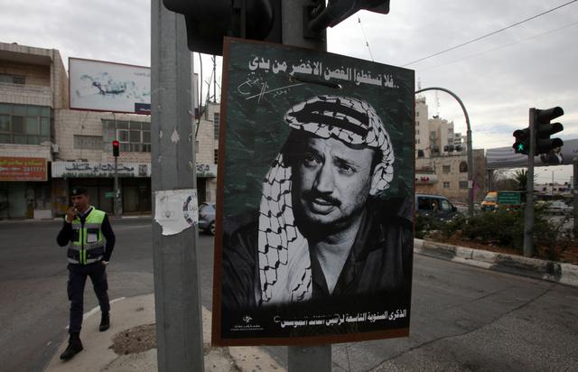 المستشار السابق لشارون: إذا تم تسميم عرفات فقد يكون ذلك من قبل حاشيته وليس اسرائيل