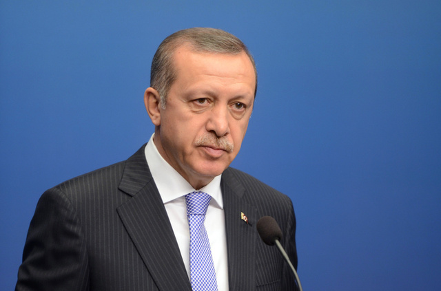 اردوغان ينفي إيواء أو دعم عناصر