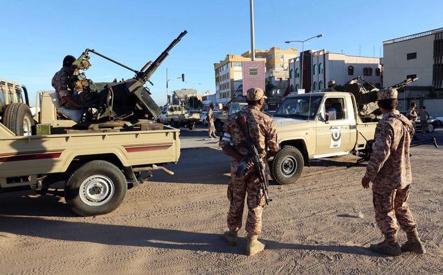 مقتل شخص واحد على الاقل واصابة 12 آخرين في مواجهات بطرابلس الغرب