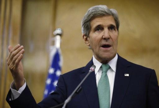 كيري يحذر اسرائيل من انتفاضة ثالثة في حال فشل المفاوضات