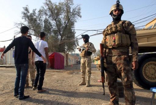مقتل 13 جنديا واصابة حوالي 50 بتفجيرات في مقر للجيش العراقي شمالي بغداد