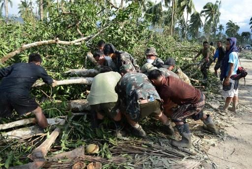 مقتل 3 اشخاص واجلاء اكثر من مليون نسمة جراء اعصار