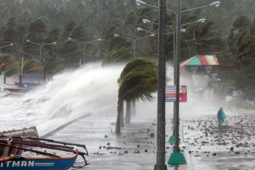 مقتل حوالي 100 شخص في الفلبين جراء اعصار