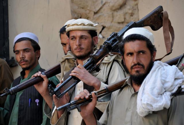 طالبان تتهم الحكومة الباكستانية بالسحر