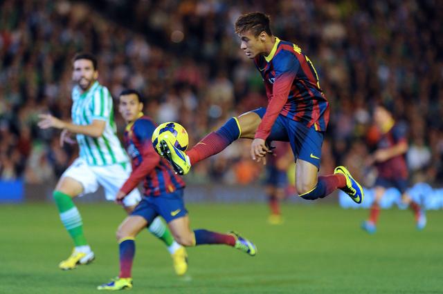 برشلونة يكتسح ريال بيتيس برباعية