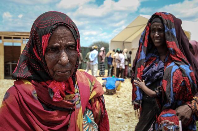 نحو 100 قتيل ومئات المفقودين نتيجة اعصار ضرب شمال الصومال