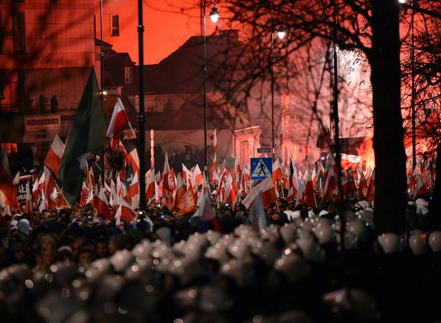 السفارة الروسية في وارسو تتعرض إلى هجوم على أيدي أنصار اليمين المتطرف
