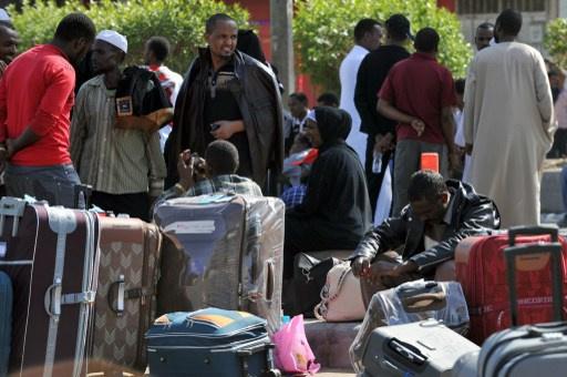 السعودية تواصل حملتها ضد العمالة الأجنبية غير القانونية لتوفير أماكن عمل لمواطنيها
