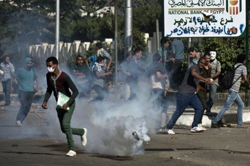 إصابة عشرات الطلاب في جامعة المنصورة باشتبكات مع الأمن
