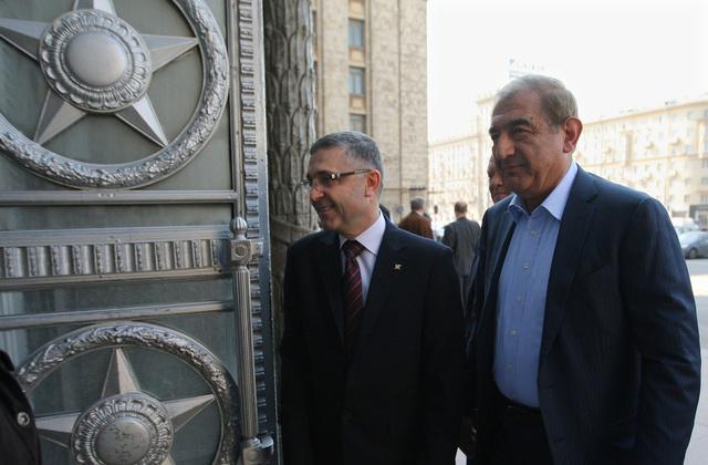 بوغدانوف وقدري جميل يؤكدان على عدم وجود بديل للتسوية السياسية في سورية