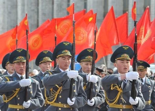 قرغيزيا تنتظر مساعدات عسكرية روسية بقيمة مليار دولار في عام 2014