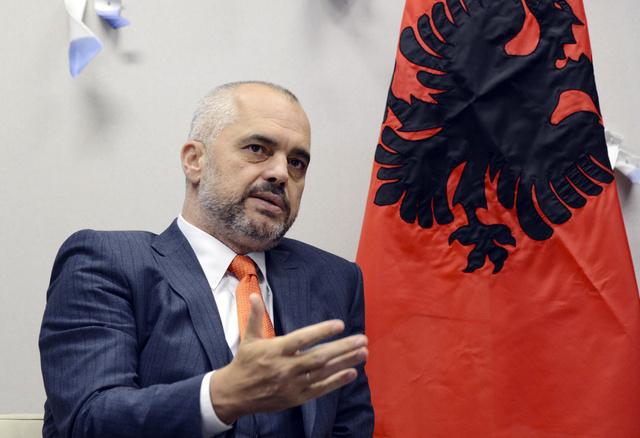 ألبانيا ترفض استقبال الأسلحة الكيميائية السورية لإتلافها في أراضيها
