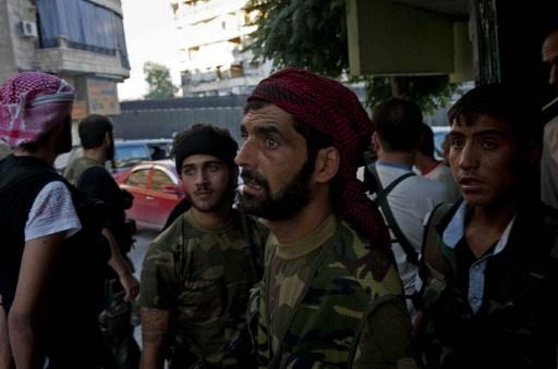 مقتل عشرات المسلحين في درعا.. وسقوط جرحى في قصف على حي برزة بدمشق