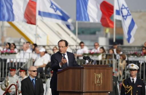 هولاند: فرنسا لن تقبل أبدا بامتلاك إيران أسلحة نووية